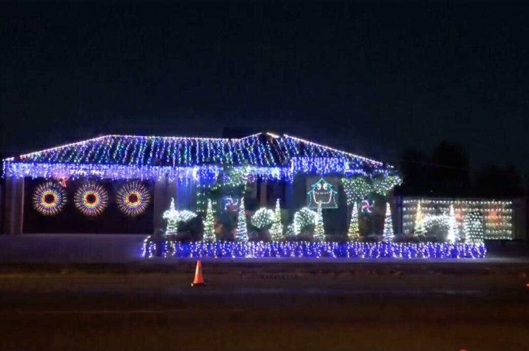 Haus Weihnachtsbeleuchtung.Schauen Sie Sich An Wie Dieses Haus Abrockt Techbook