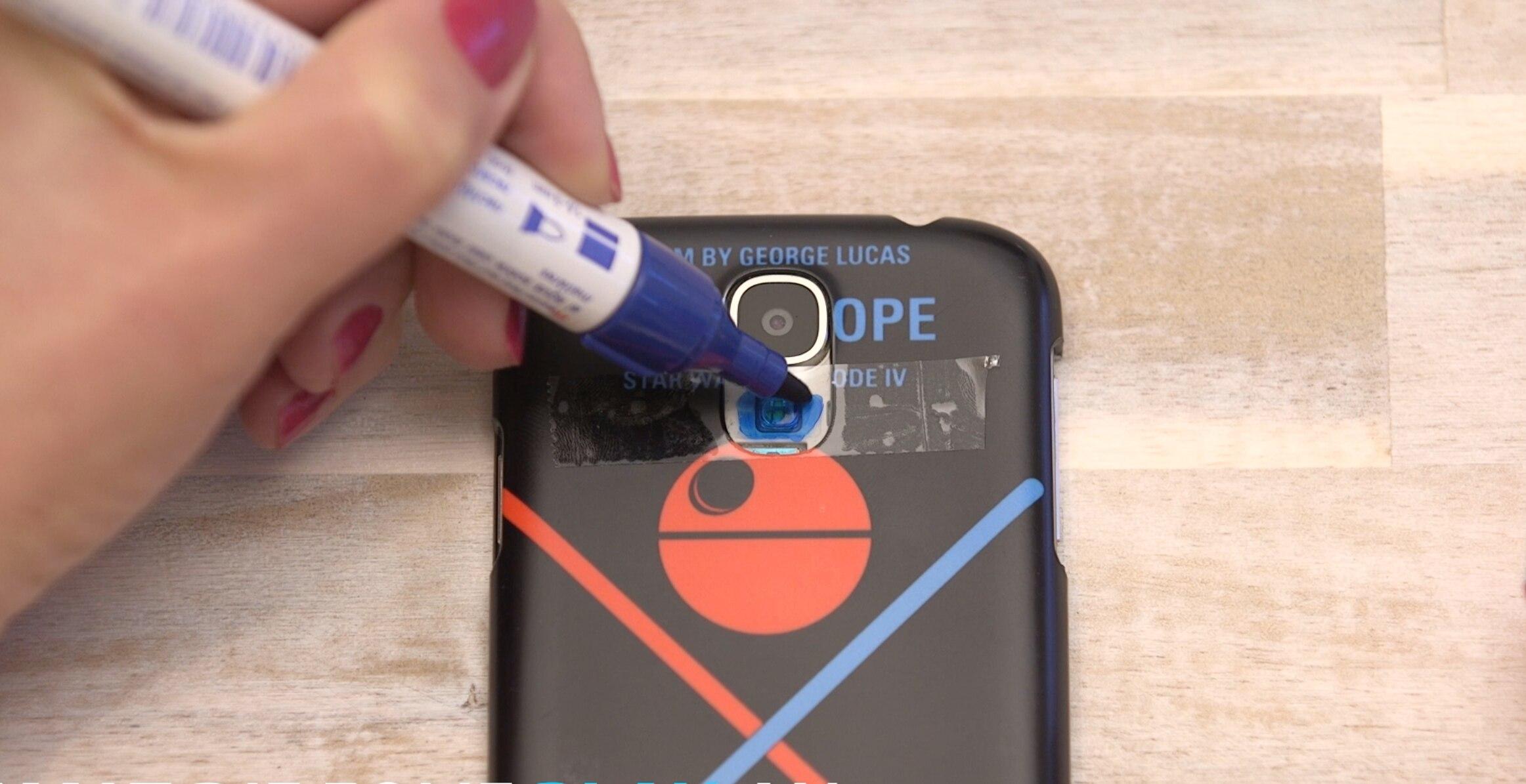 So man sein Smartphone in eine Schwarzlicht-Lampe | TECHBOOK