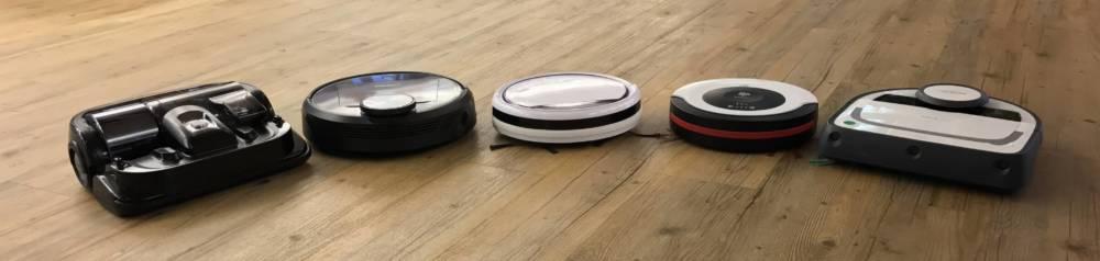Das Testfeld von links: Samsung Powerbot 9200, Deebot R95, Medion MD16192, Dirtdevil Spider 2.0 und Vorwerk Kobold VR200.