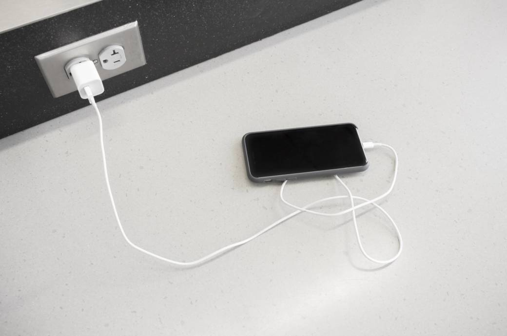 Darf man das Handy in der Sonne liegen lassen?