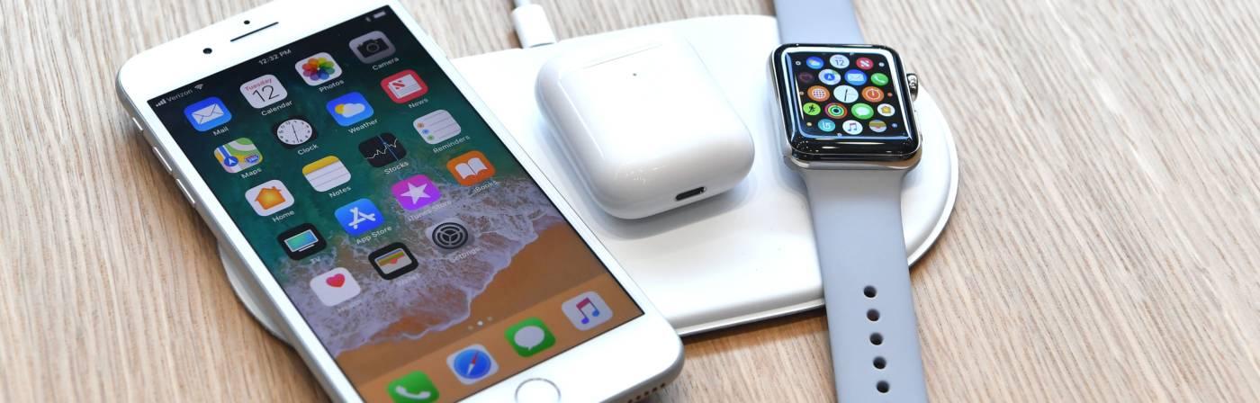 Ein Apple AirPower lädt drei Geräte