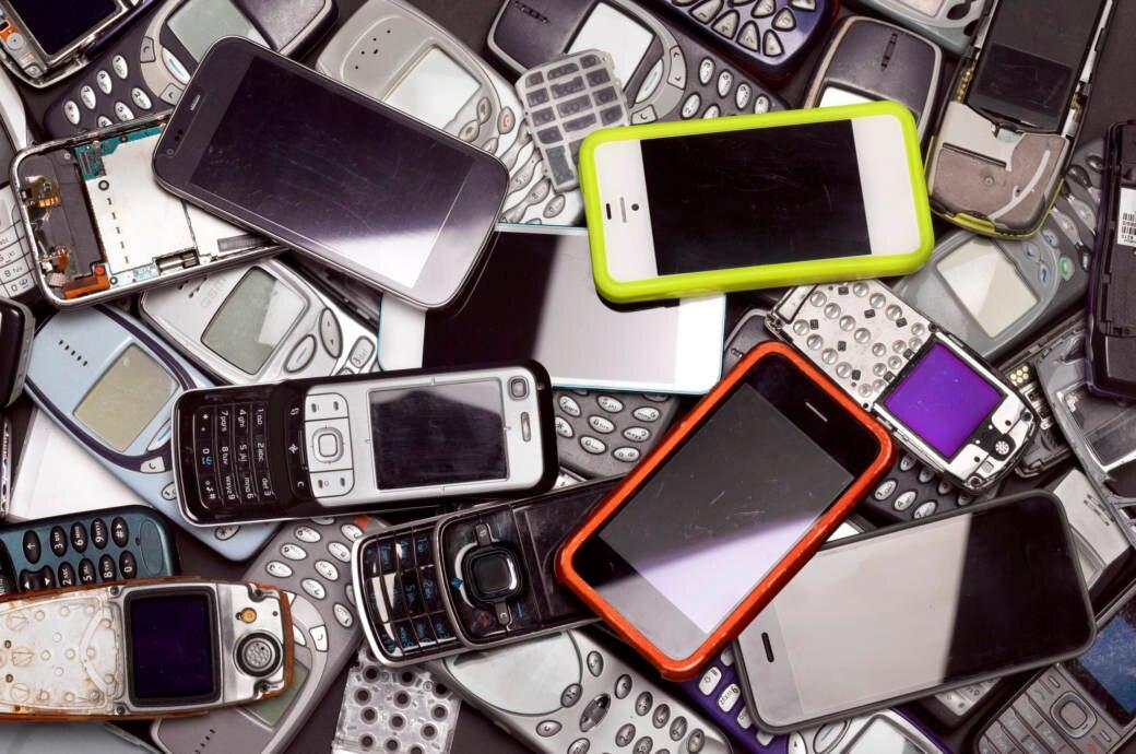 Telefonieren, fotografieren, Nachrichten schreiben, online gehen – unsere Handys müssen eine ganze Menge können, um uns glücklich zu machen. Aber nicht jedes Smartphone bieten seinen Nutzern so viel.