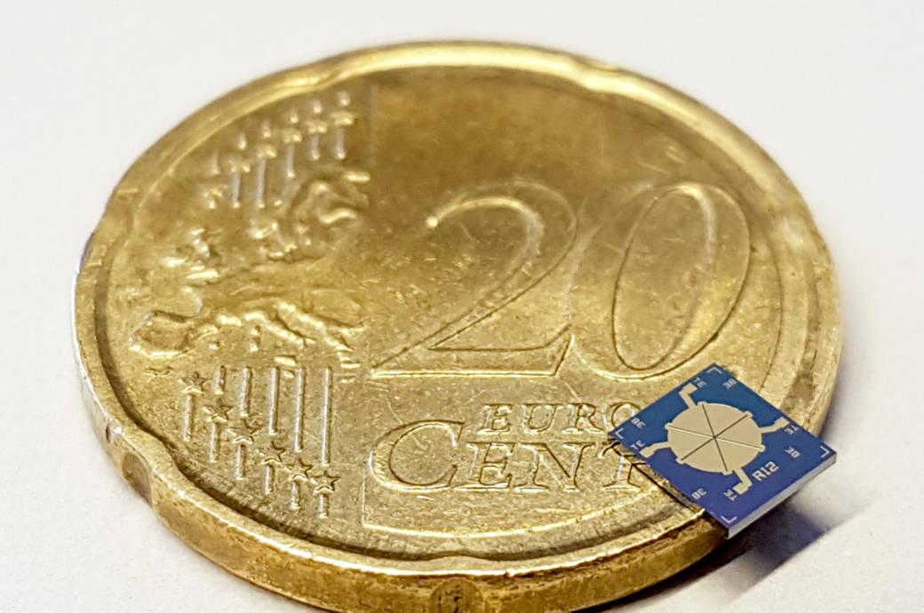 Mikrochip-Lautsprecher auf einer Münze