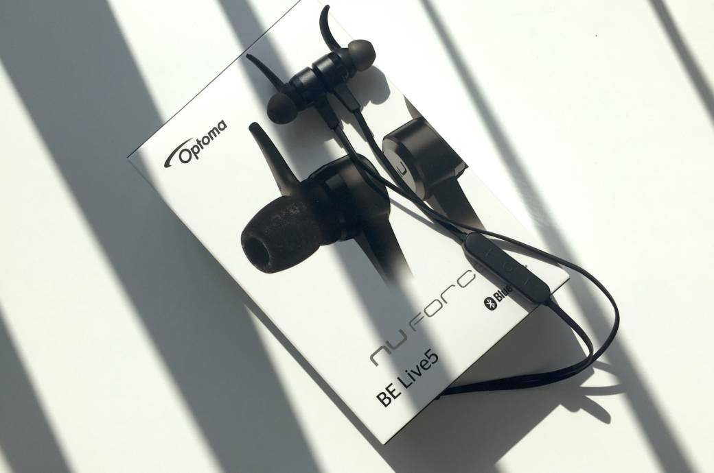 In-Ears NuForce BE Live5 mit Verpackung