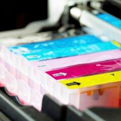 Druckerpatronen nebeneinander