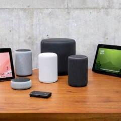 Amazon Lautsprecher auf einem Tisch