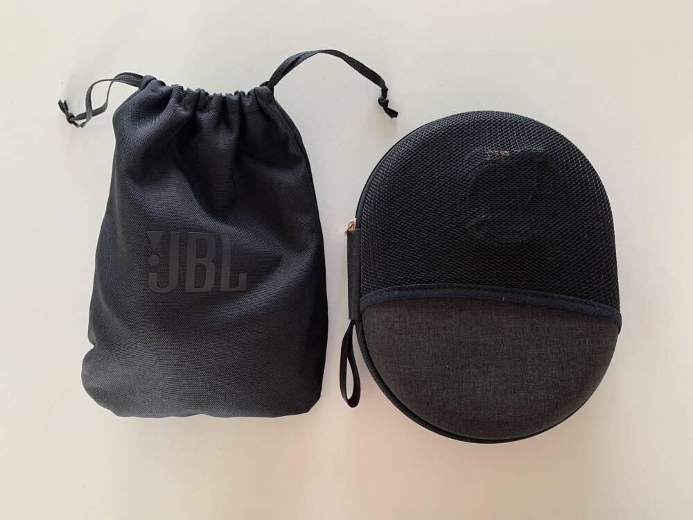 JBL-Stoffbeutel und Sony-Hardcase