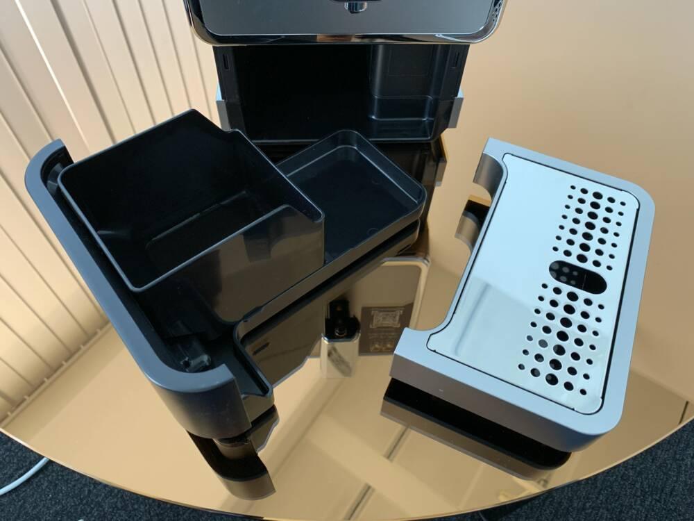 Tchibo Esperto Caffè: Auffangschale und der Tresterbehälter
