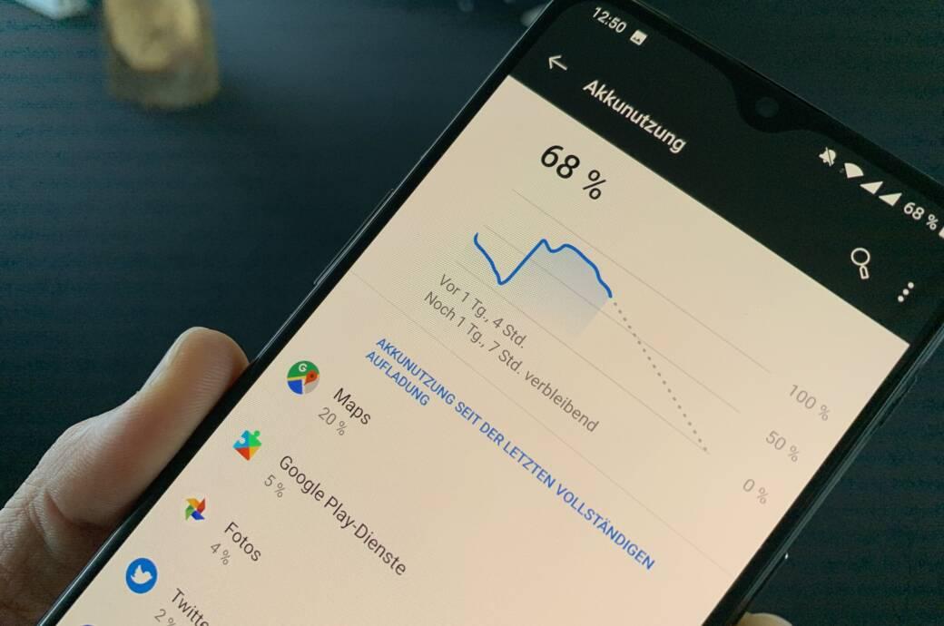 Die Akkunutzung-Übersicht auf einem Android-Smartphone