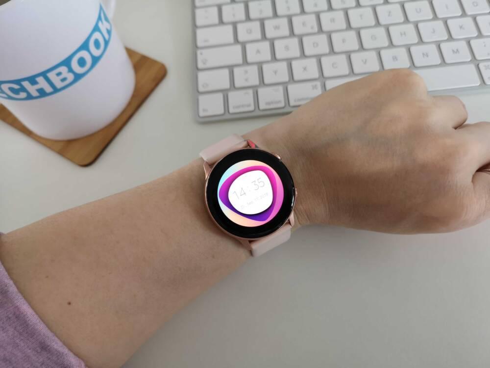 Samsung Galaxy Watch Active am Handgelenk