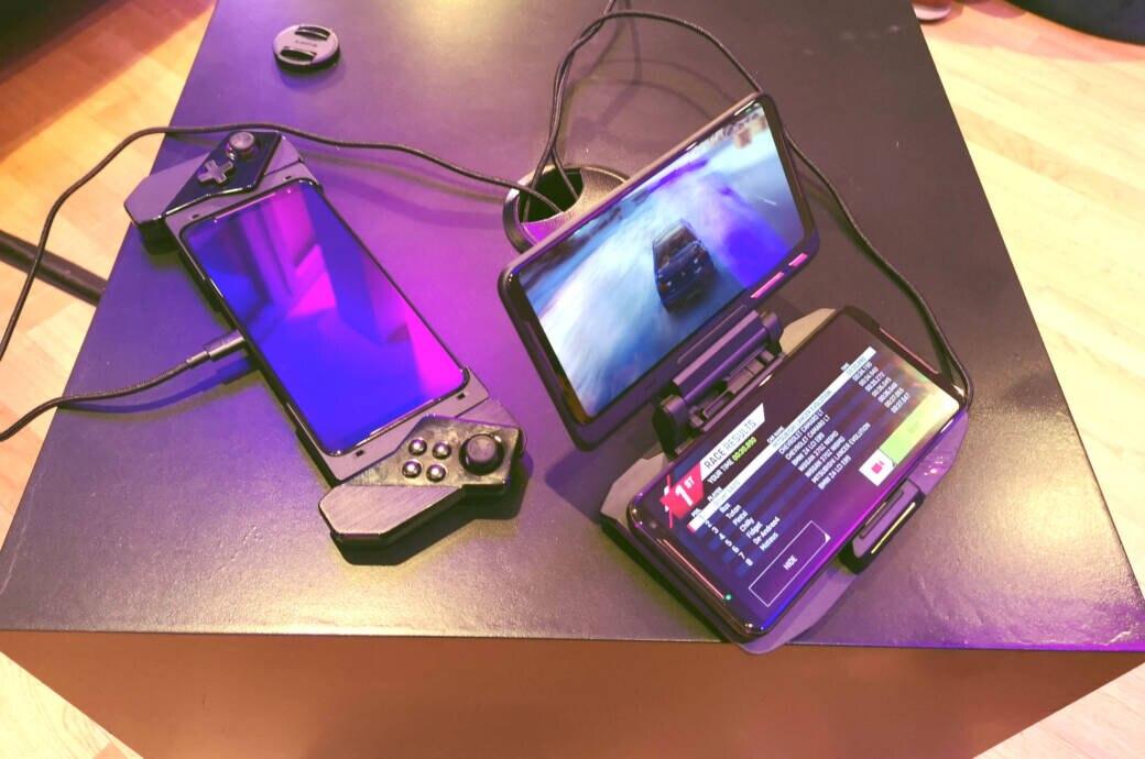 Das ROG Phone 2 mit GamePad