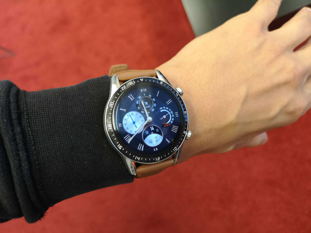 Huawei Watch GT 2 Classic Edition am Handgelenk