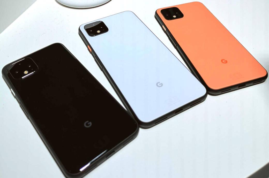Google Pixel 4 in den Farben Weiß, Schwarz und Orange