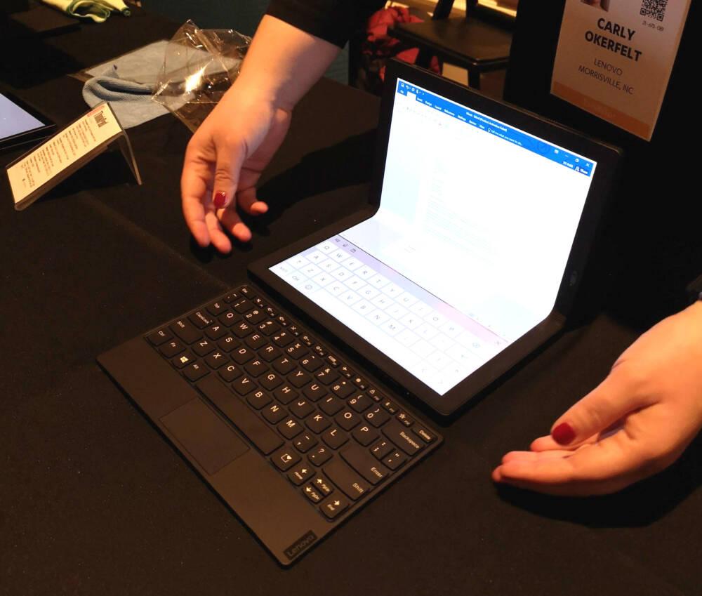 ThinkPad X1 Fold von Lenovo mit Tastatur