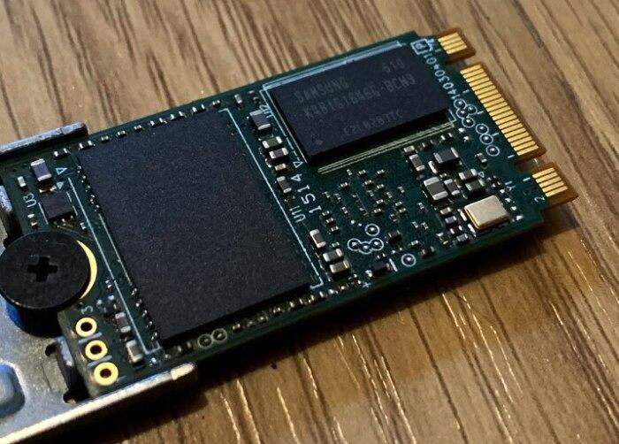 M.2 SSD mit sichtbaren Speichermodulen
