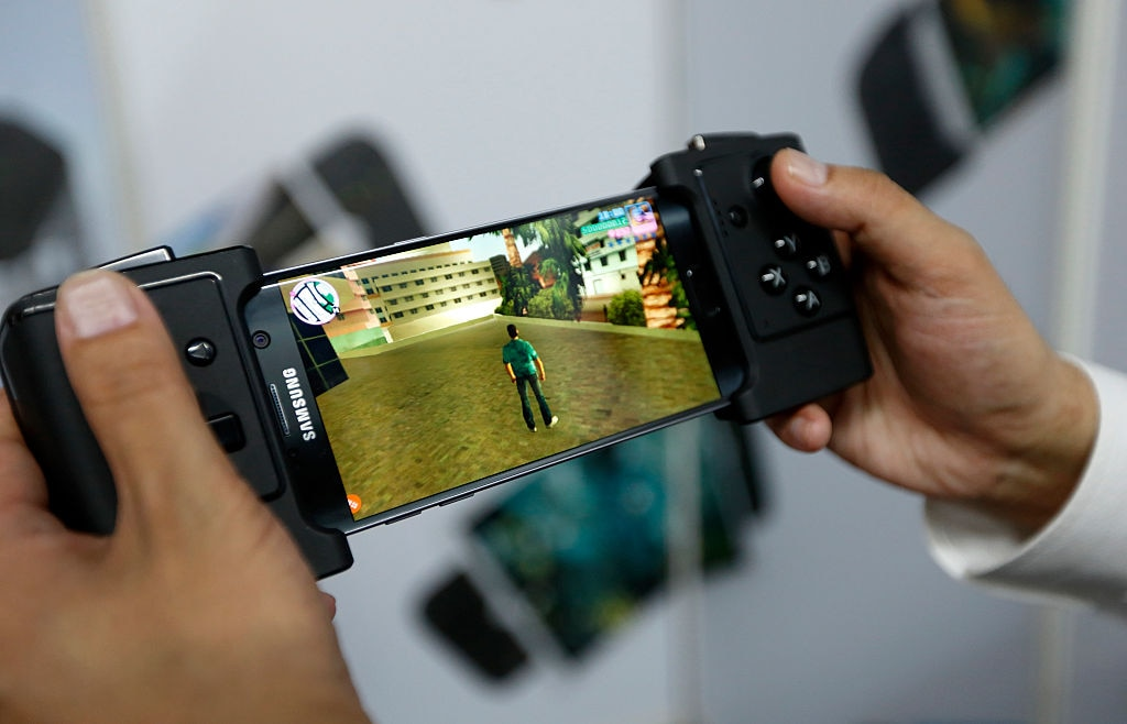 Mobile Gaming Gadgets: Smartphone Spielen mit Game Pad