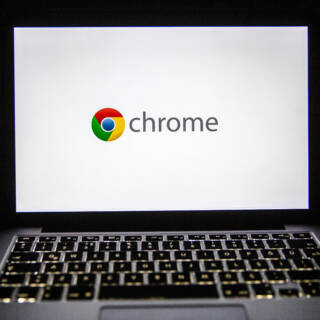 Chrome-Logo auf MacBook