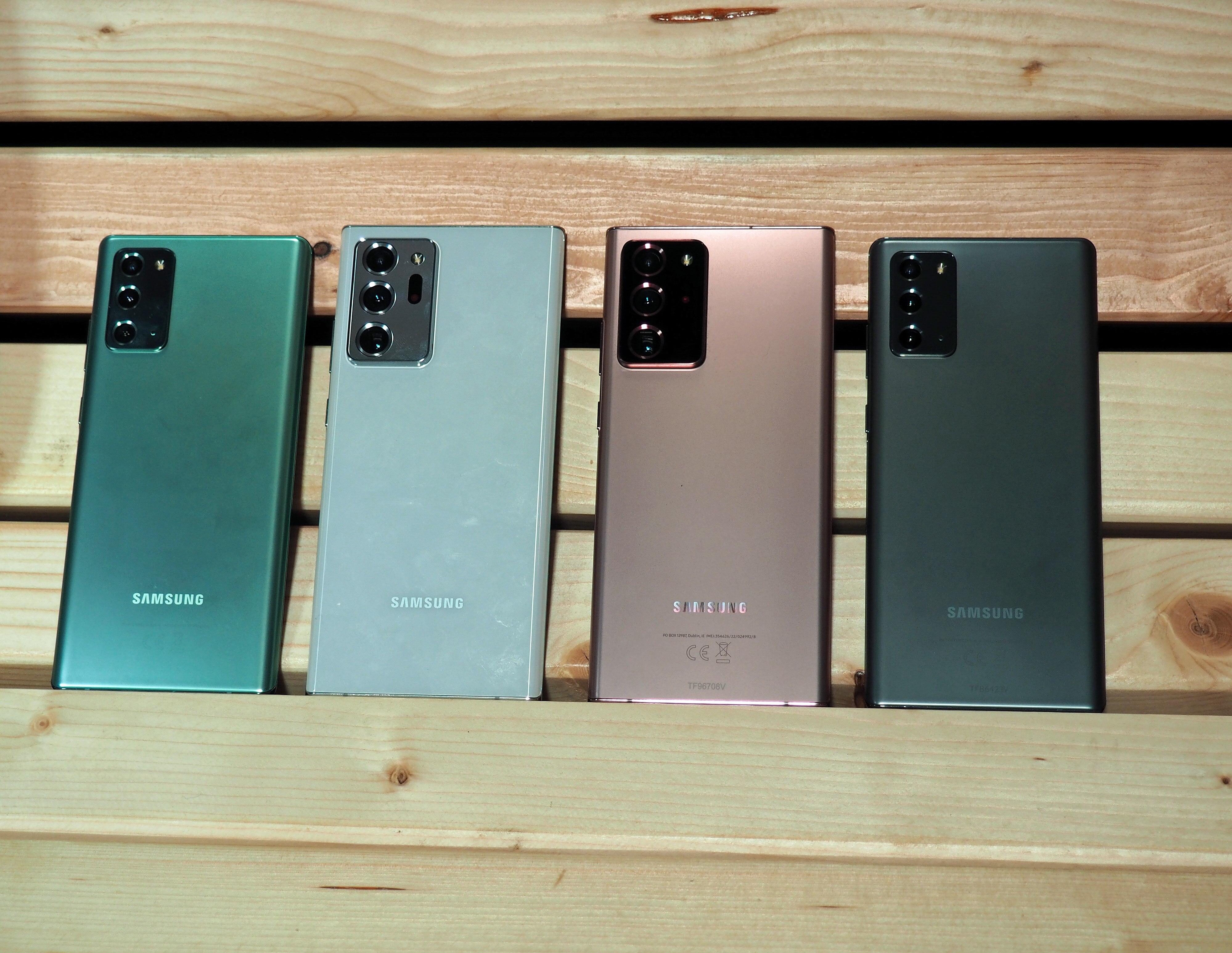 Samsung Galaxy Note 20 im Größenvergleich