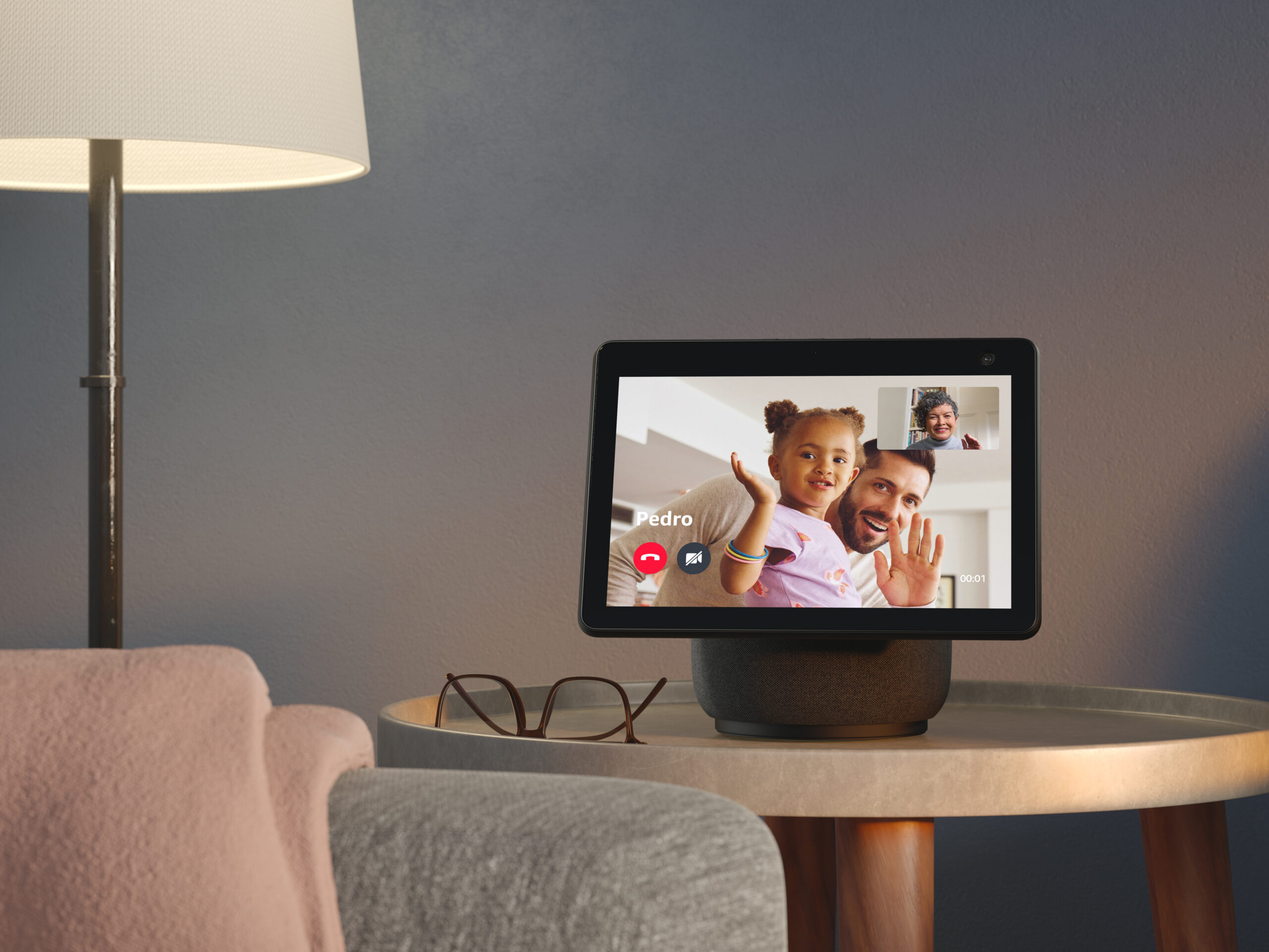 Amazon Echo Show 10: Smarter Lautsprecher mit Display - TECHBOOK