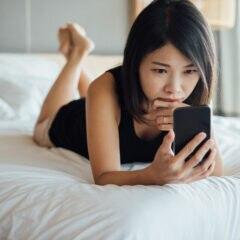 Frau berfürchtet auf Instagram ausspioniert worden zu sein