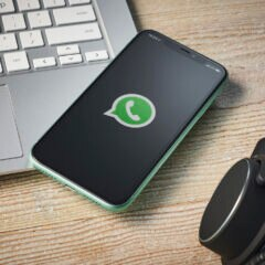 WhatsApp Web Update Symbol auf Smartphone