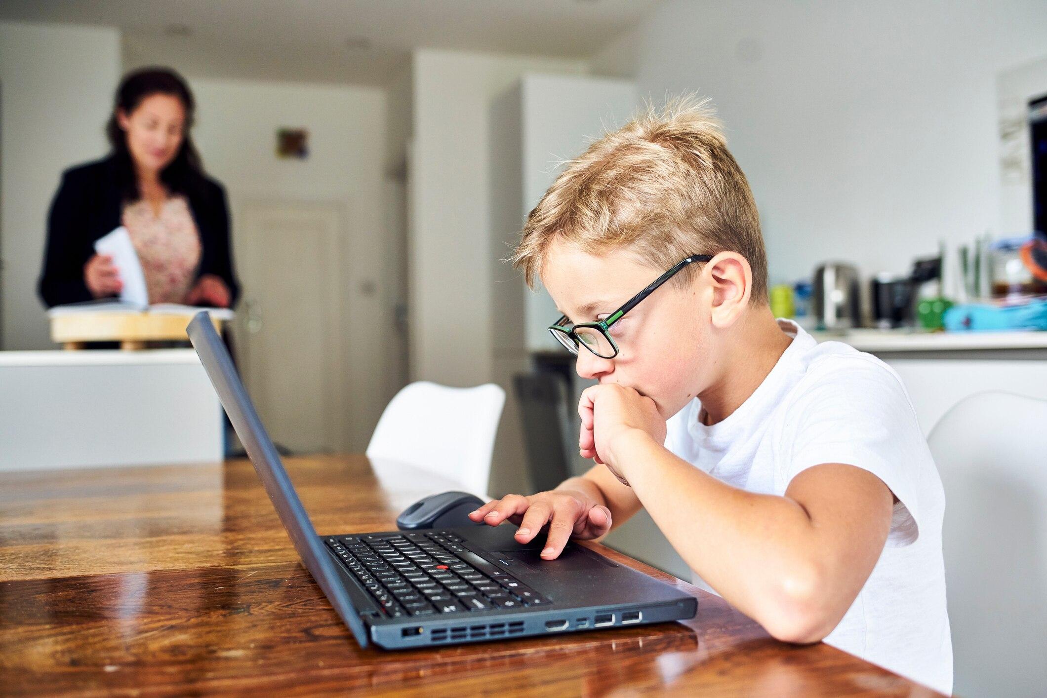 Die-richtige-Software-und-Apps-f-r-Kinder-im-Homeschooling